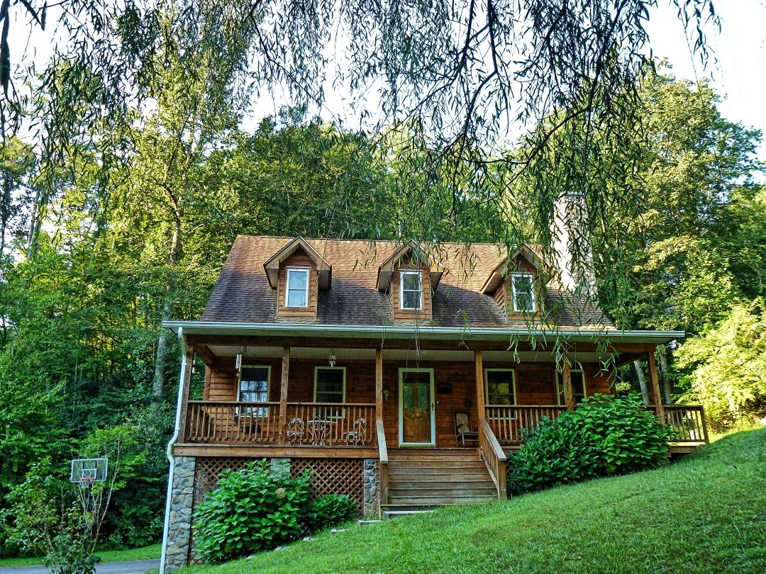Yellow Rose Realty | Bryson City Cabin Rentals